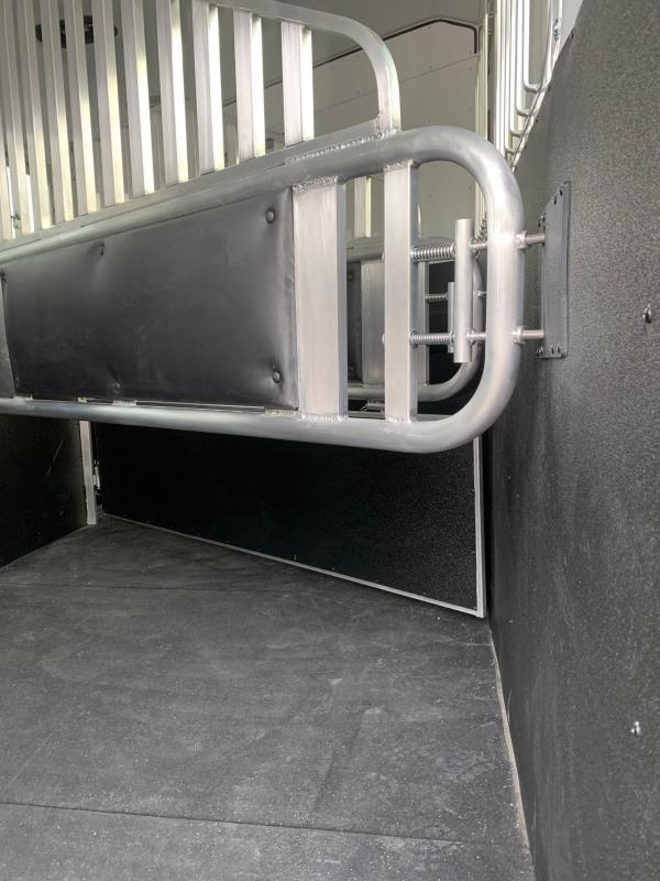 2021 Merhow Trailers 3 Horse Stampede Living Quarters Horse Trailer