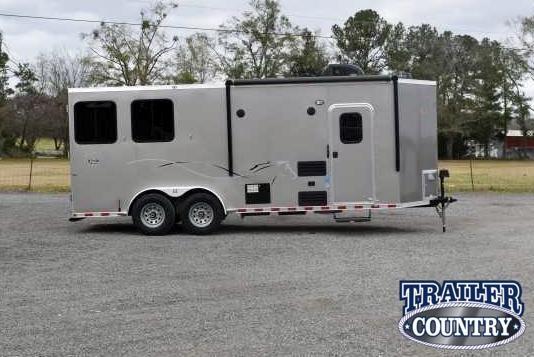 2021 Dixie Star Bumper Pull Living Quarters Horse Trailer