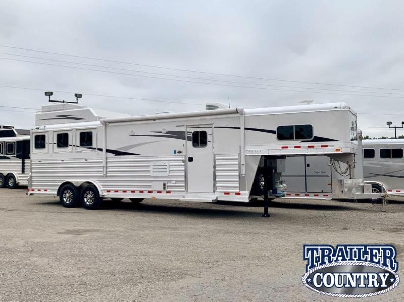 2021 4-Star Trailers 3 Horse Living Quarters Horse Trailer - IN STOCK!!