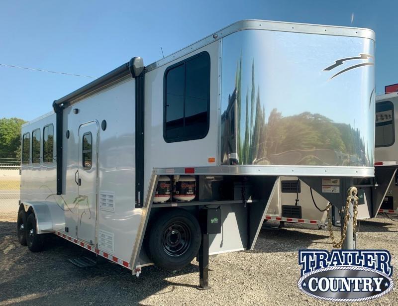 2022 Dixie Star Trail Rider 3 Horse Gooseneck w/Living Quarters Horse Trailer