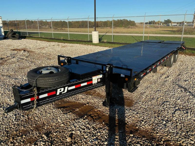 2019 PJ Trailers 26' Deckover Bumperpull Equipment Trailer