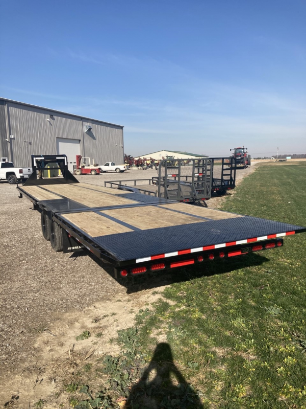 2021 PJ Trailers 34' Low-Pro with Hydraulic Dove Equipment Trailer