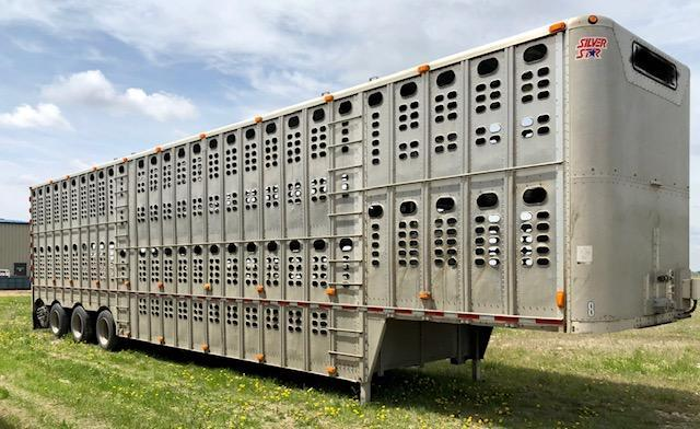 2011 Wilson Trailer Company 53 FT Livestock Trailer