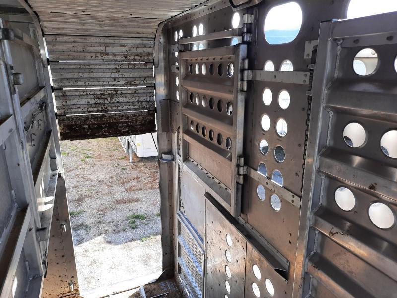 2013 Merritt Used 2013 Merritt 48' Livestock Semi Trailer  Pot Livestock-Semi