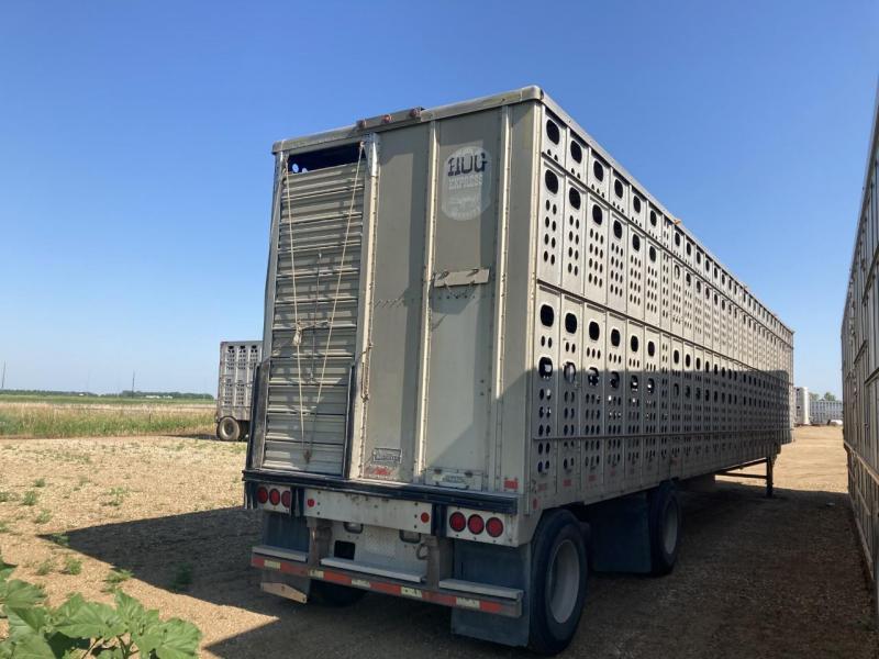2001 Merritt Equipment Semi Livestock