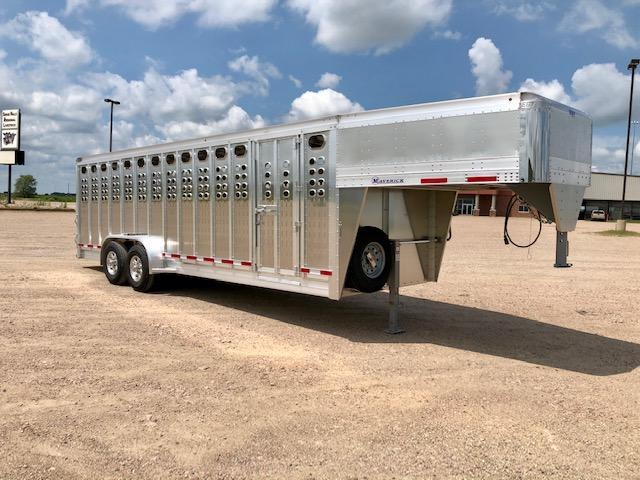 2021 EBY 24' Maverick Livestock Trailer