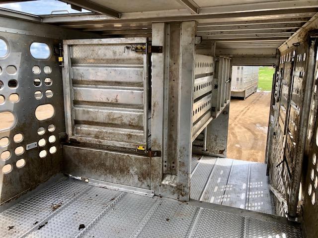 2018 EBY 53' Hog Friendly Gun Metal Gray Spread w/ Rear Lift