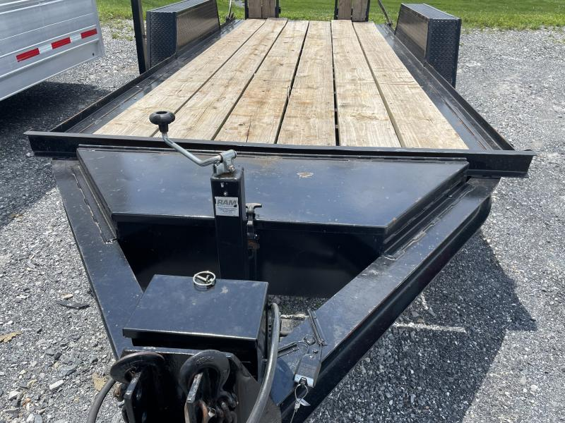 1998 16' Towmaster Trailer