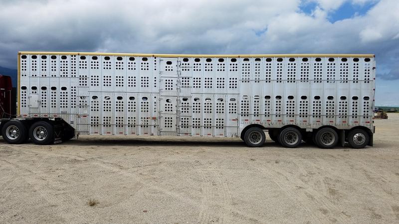 2009 Merritt Used 2009 Merritt 53' Livestock Semi Trailer  Pot Livestock-Semi