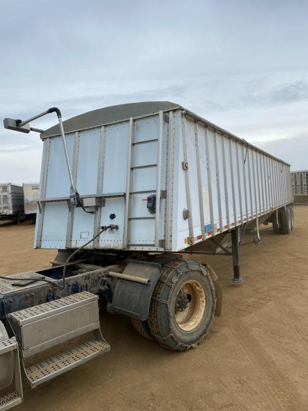 1997 Merrit Trailers Semi Trailer Grain Hopper