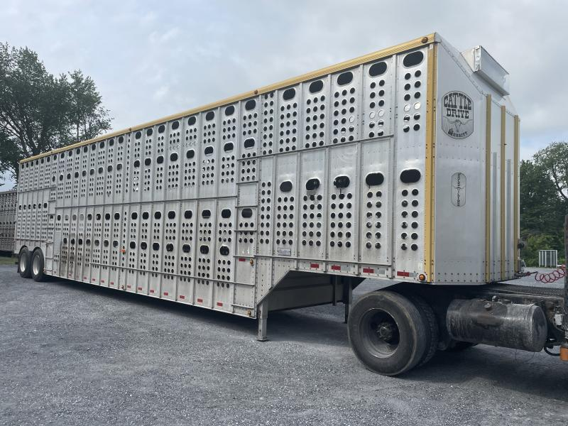 2012 Merrit Trailers Livestock Semi Livestock