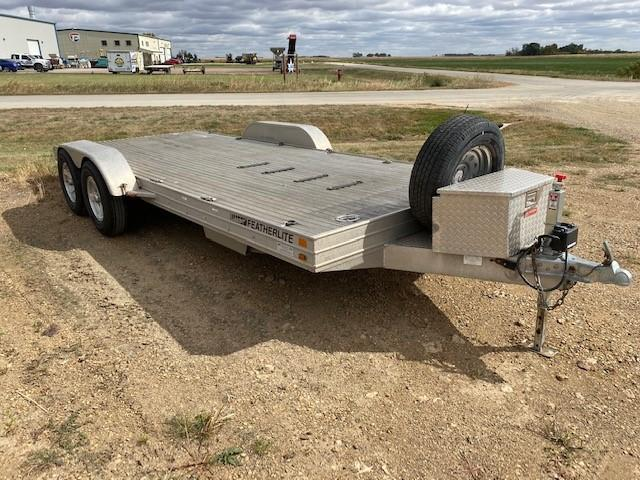 2005 Featherlite Car Hauler Flatbed Trailer