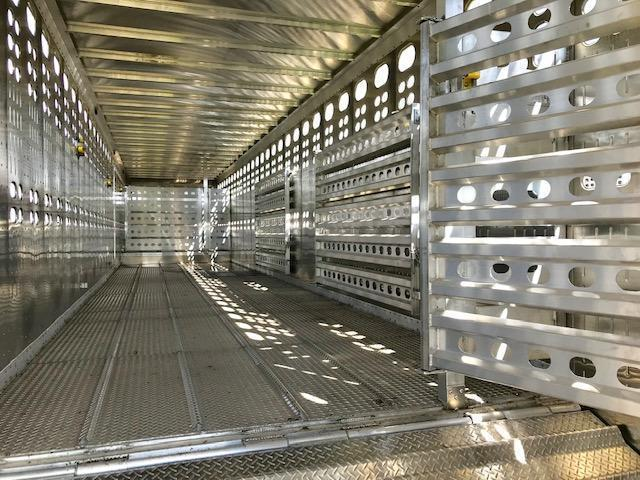2022 EBY Groundload Livestock