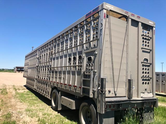 2018 EBY Spread Axle Bull Ride Livestock Trailer