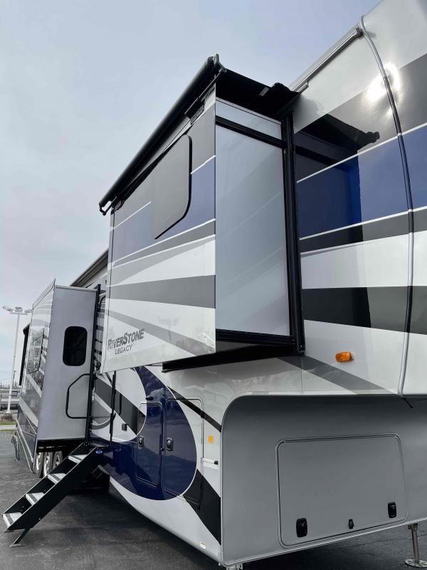 2022 Forest River, Inc. Riverstone 42FSKG Fifth Wheel Campers RV