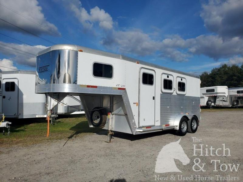 2002 Exiss Trailers XT200 Horse Trailer
