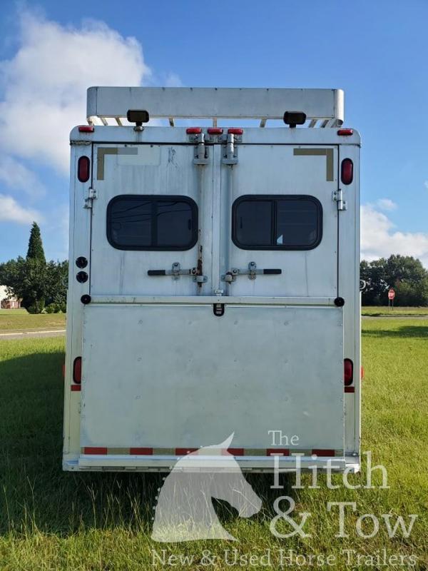 2000 Sundowner Trailers Head to Head Horse Trailer