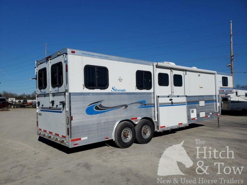 2006 Silverado Deluxe Horse Trailer