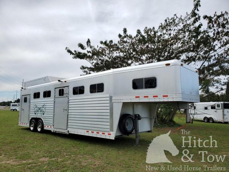 2001 4-Star Trailers Deluxe Horse Trailer
