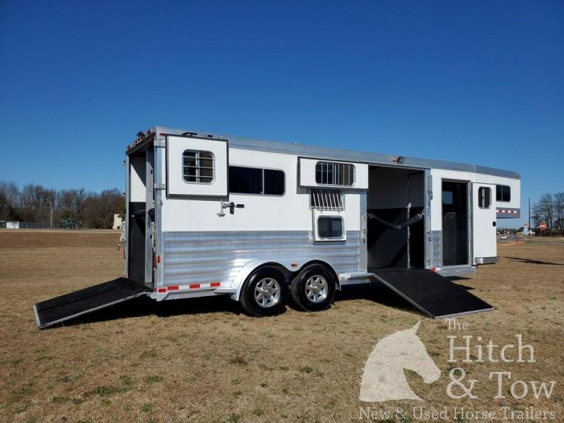 2015 4-Star Trailers Runabout Horse Trailer