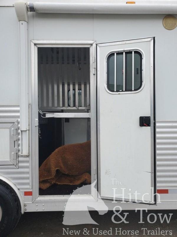 2011 Shetron Manufacturing LLC Silverbrook II Horse Trailer