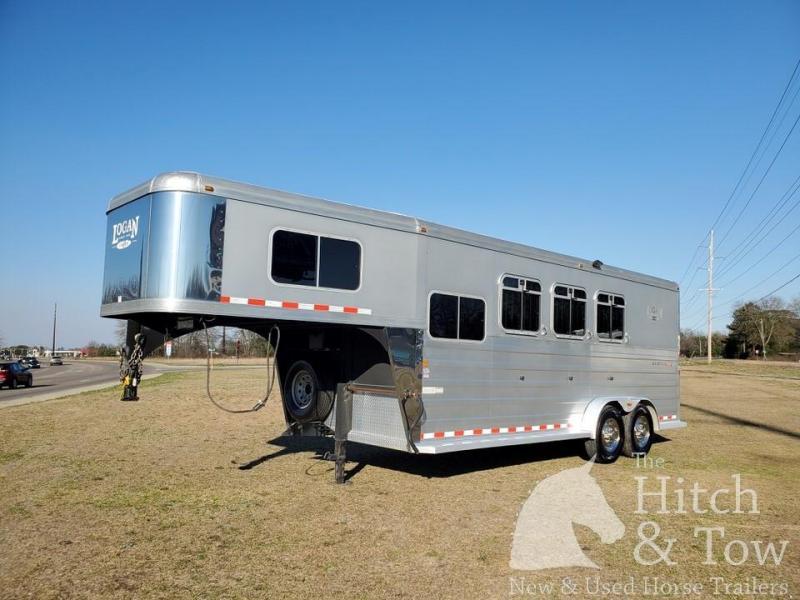 2008 Logan Coach Aluminum XTR Horse Trailer