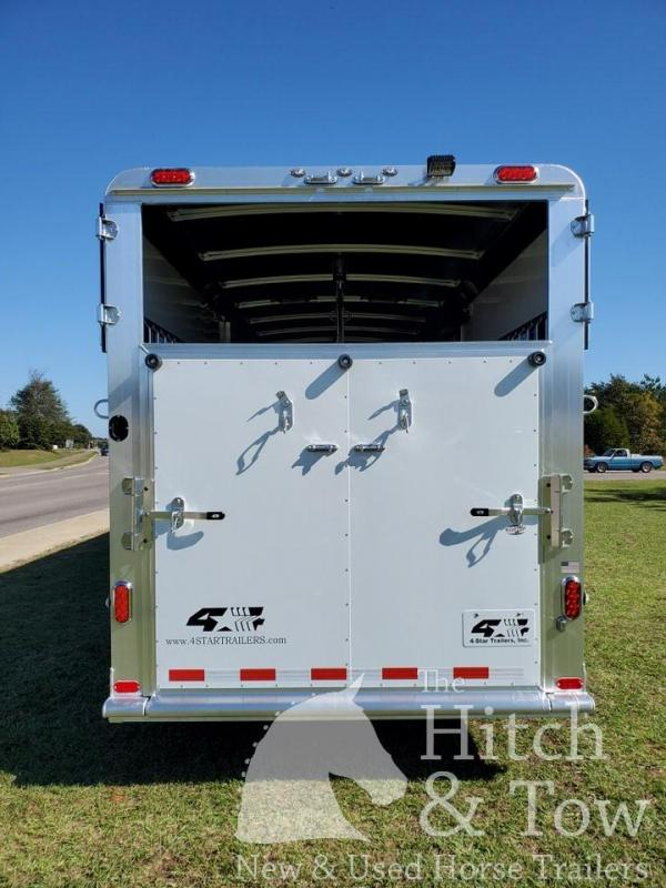 2021 4-Star Trailers Runabout Horse Trailer