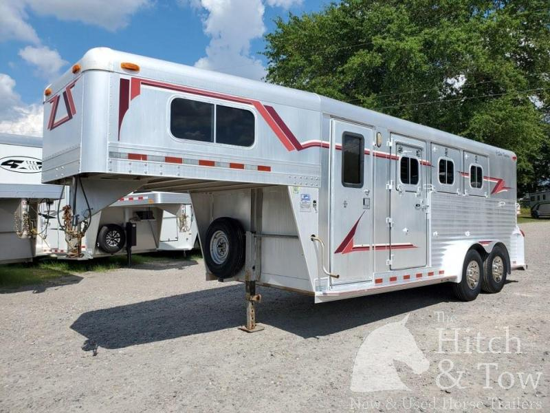 1996 4-Star Trailers Deluxe Horse Trailer