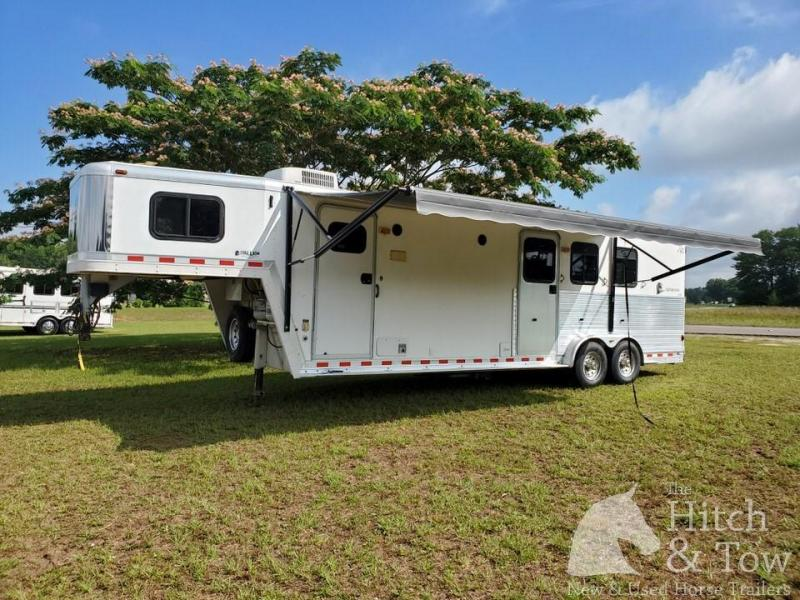 2001 Kiefer Built Genesis Horse Trailer