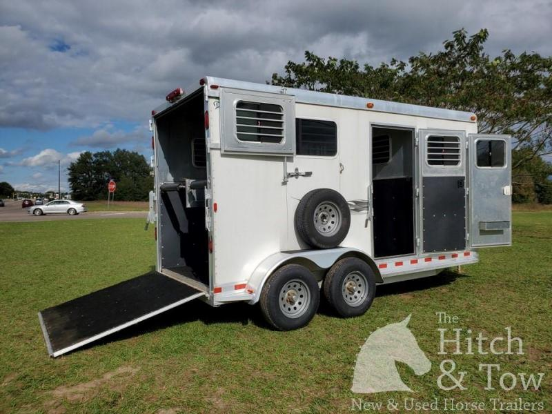 2005 Dream Coach Trailers LLC Dream Coach Horse Trailer