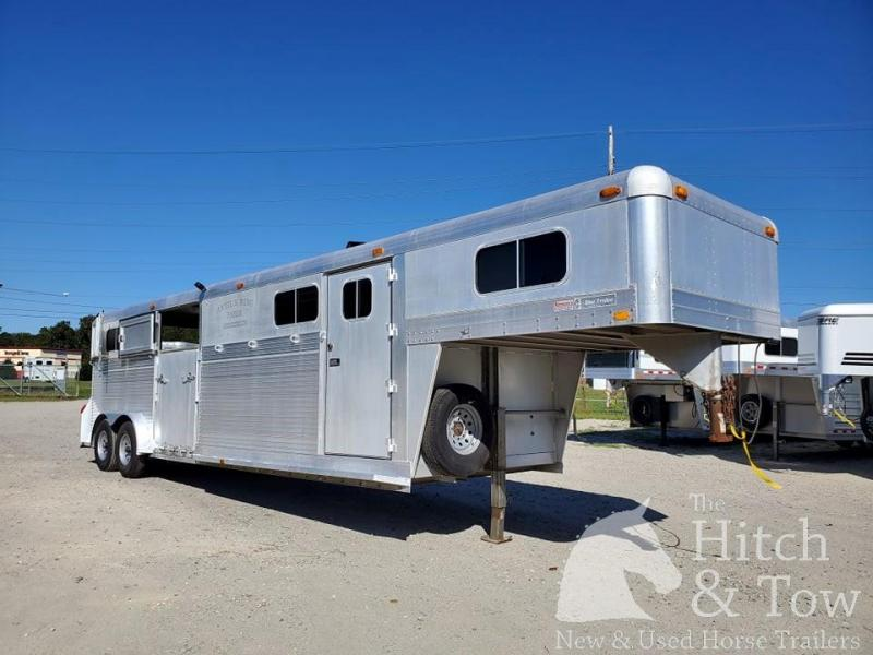 1990 4-Star Trailers Deluxe Horse Trailer