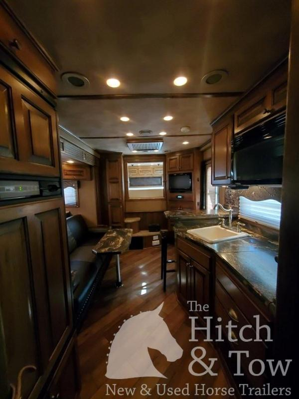 2012 4-Star Trailers Deluxe Horse Trailer