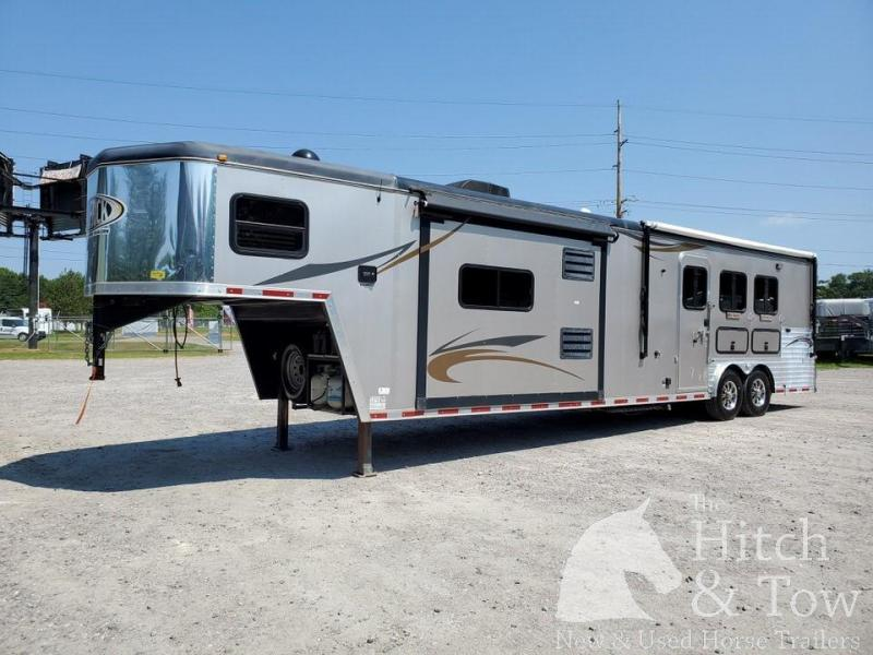 2013 Hoosier Horse Trailers Maverick Horse Trailer