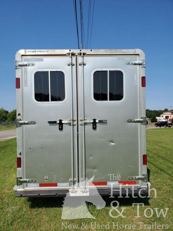 2014 Featherlite Gooseneck Horse Trailer