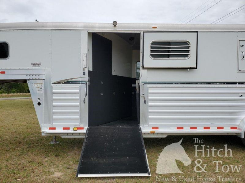 2007 4-Star Trailers Deluxe Horse Trailer