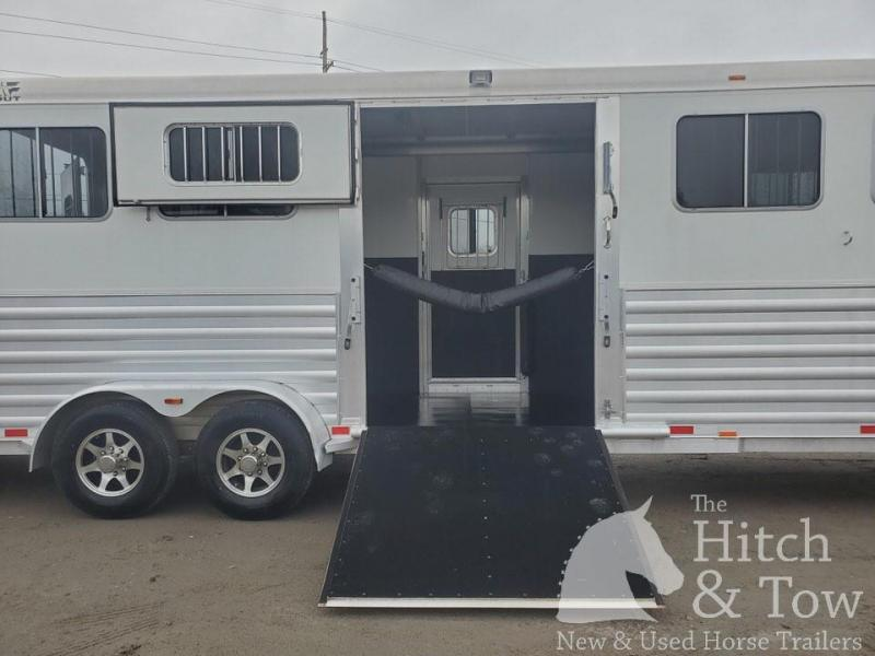 2014 4-Star Trailers Runabout Horse Trailer