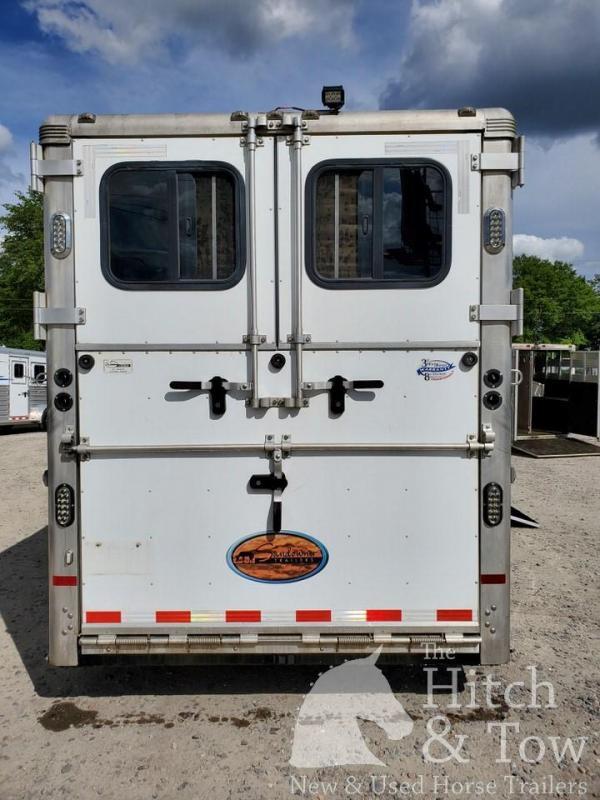 2015 Sundowner Trailers Charter SE Horse Trailer