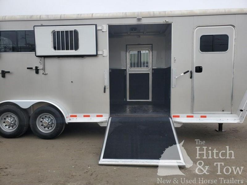 2016 Kiefer Built Kiefer Horse Trailer