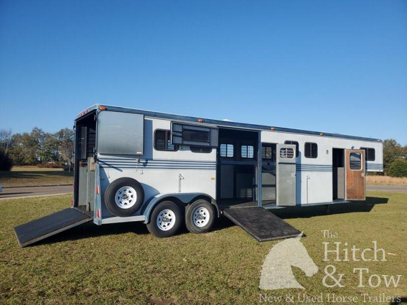 1990 Kingston Trailers Inc. Kingston Horse Trailer