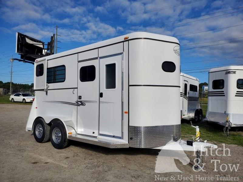 2022 Bee Trailers Thoroughbred Classic Horse Trailer