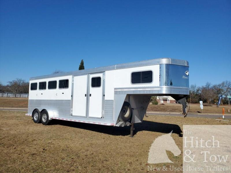 2014 Blue Ribbon Horse Trailers Blue Ribbon Horse Trailer