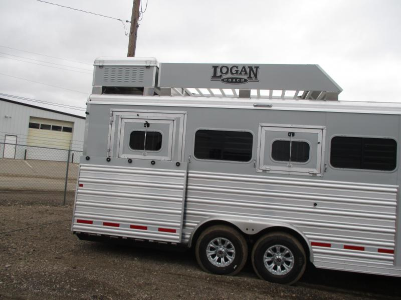 2020 Logan Coach Select Horse Trailer