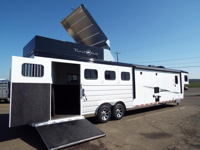 2020 Trails West 15' SW 4H Side Load-Hay Pod-Slide-Fold Down Bunk-CHECK OUT THIS TACK ROOM! - PRICE REDUCED $2000!