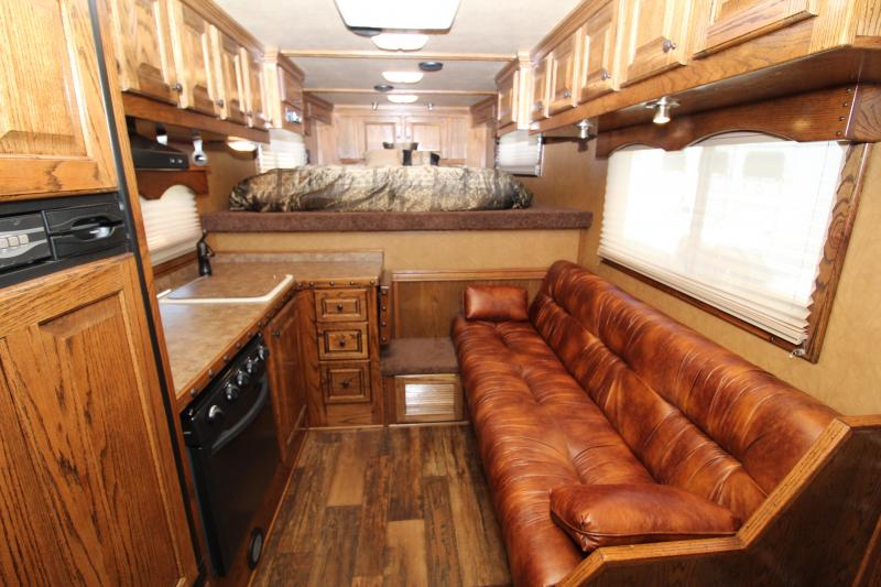 2014 Platinum Coach  2H w/ 12' Outlaw Interior Horse Trailer