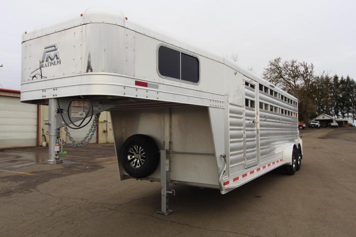 2021 Platinum Coach 24' S/C- Slant Wall 2H Dividers-Center Slam Livestock Trailer