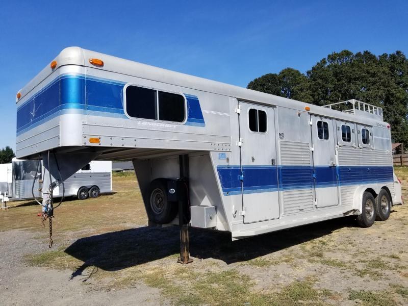 1991 4-STAR WEEKENDER LINED AND INSULATED DRESSING ROOM 3 HORSE WEEKENDER TRAILER