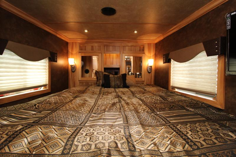 2020 Exiss 7308 3 Horse Trailer - All Aluminum Construction - Drop down windows - Easy Care Flooring
