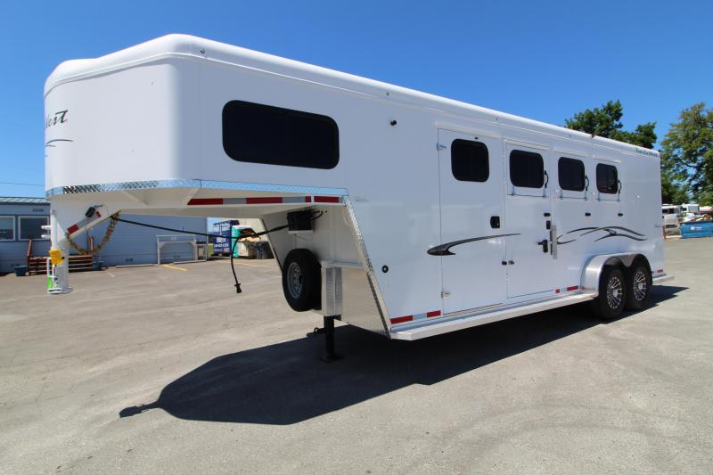 "2020 Trails West Classic 3 Horse Trailer - 7'6"" Tall - Aluminum One Piece Roof - Drop Down Feed Door -  Roof Vents - Slam Latch Dividers"