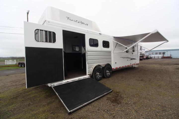 2021 Trails West 11' SW-8'W-3H-SIDE LOAD-Hay Rack-Gen Prep-Slideout-Mangers Horse Trailer