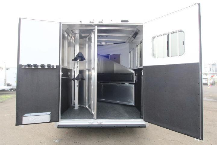 2021 Exiss Trailers 7210 Horse Trailer